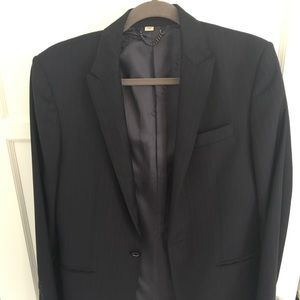 Burberry suit 100% virgin wool made in Italy